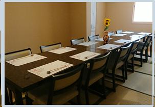 個室テーブル席は2名様から14名様まで利用可能です